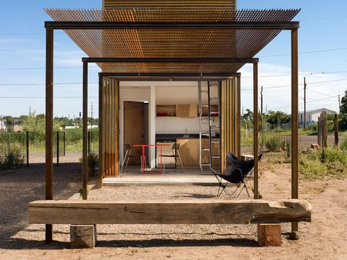 320-Square-Foot-Micro-Home-In-Texas-3.jpeg.492x0_q85_crop-smart